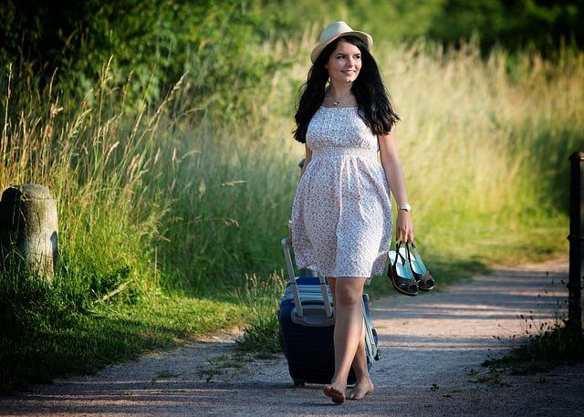 žena cestovatelka