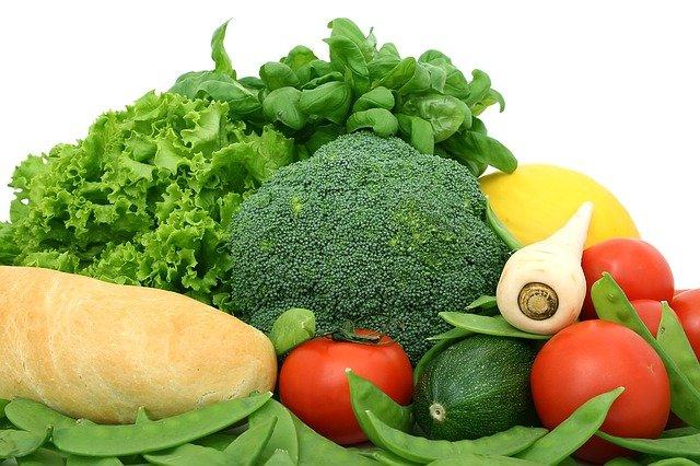 zelenina a rohlík.jpg