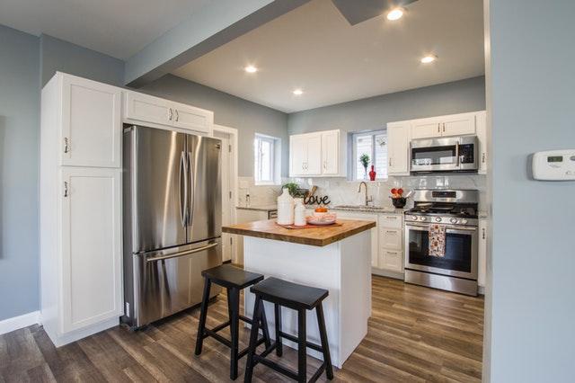 vybavení kuchyně, americká lednice.jpg